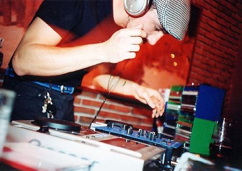 Bar DJing
