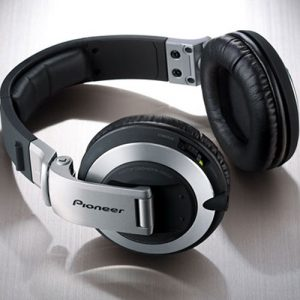 Pioneer HDJ2000 headphones
