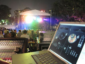 djay being used at the Prodigy's live show