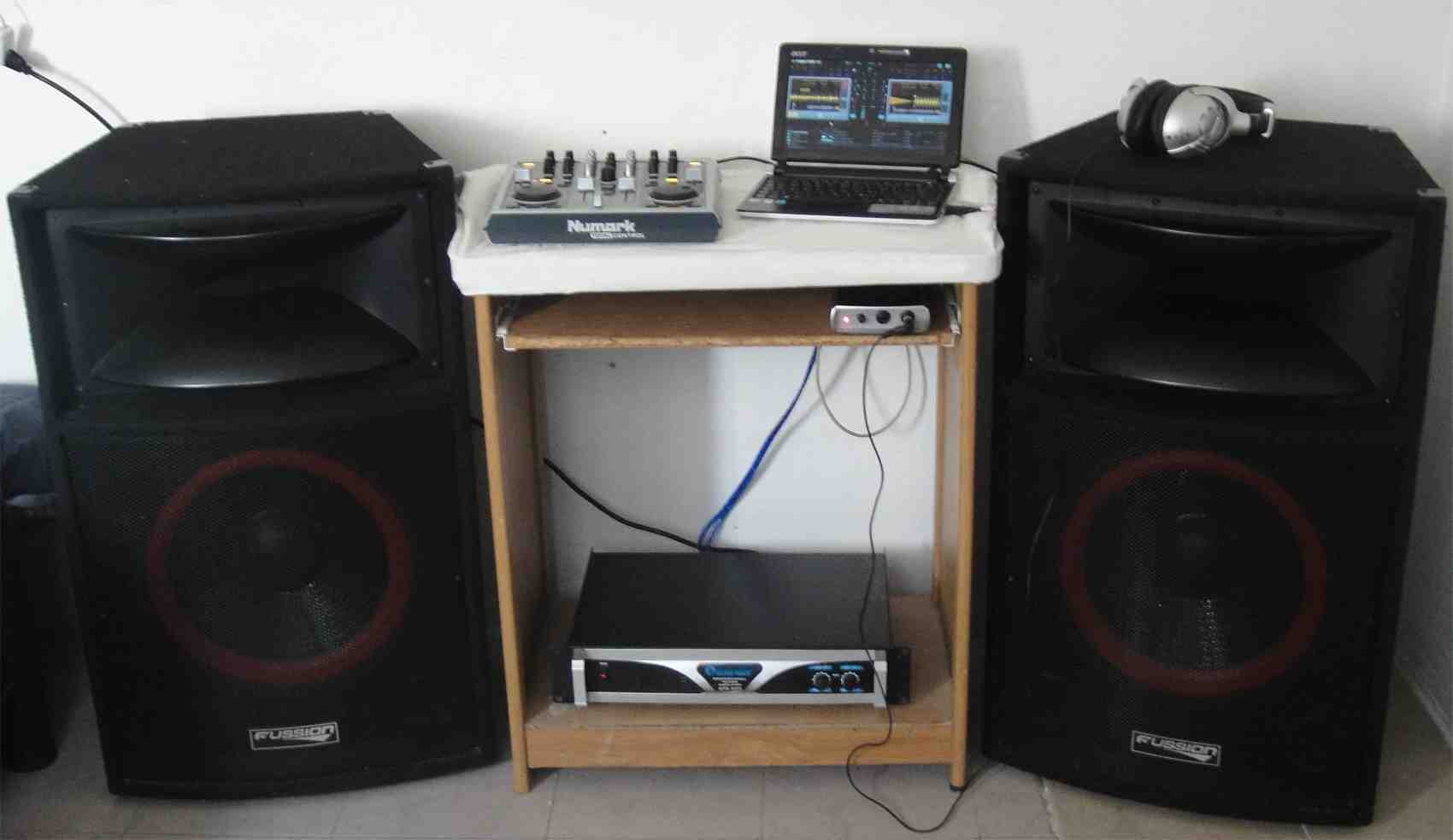 DJ Marvin Kamikaze's home set-up