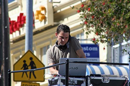 DJ Earworm, laptop DJ
