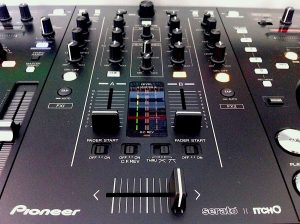 Pioneer DDJ-S1 Review Mixer