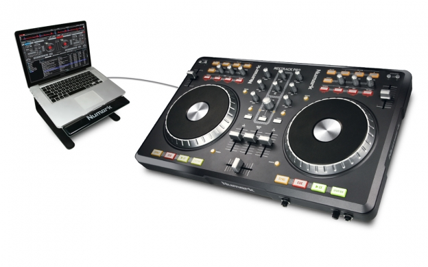 Mixtrack Pro: How does it handle four decks in Traktor?