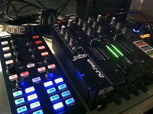 DJ-Tech X10 and Traktor Kontrol X1