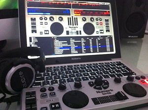 Review: Numark DJ2GO Portable DJ Controller - Digital DJ Tips