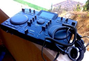 Stanton SCS4.DJ Review: Out and about