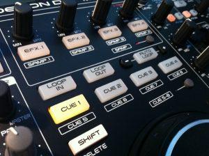 Denon MC3000 FX, loops and cues