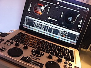 djay 4 for Mac plus Numark dj2go