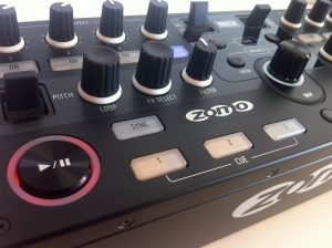 Zomo MC-1000 transport and cue functions