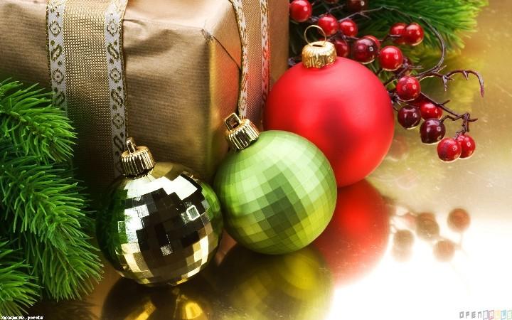 christmas_tree_balls_4_1440x900