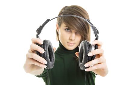 Choosing DJ headphones