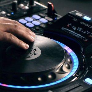 Denon DJ SC2900 jogwheels