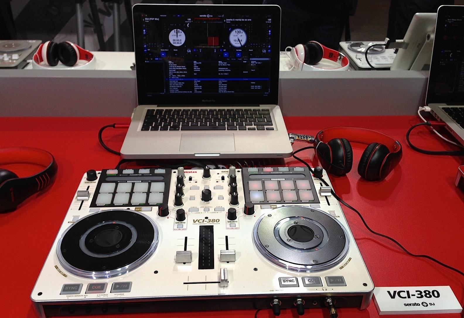 Vestax VCI-380 with Serato DJ