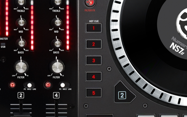 NS7 II hot cues