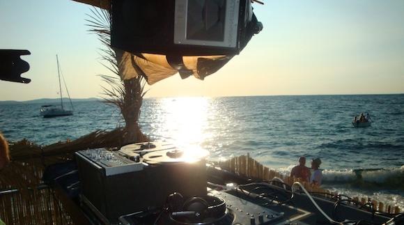 DJ beach