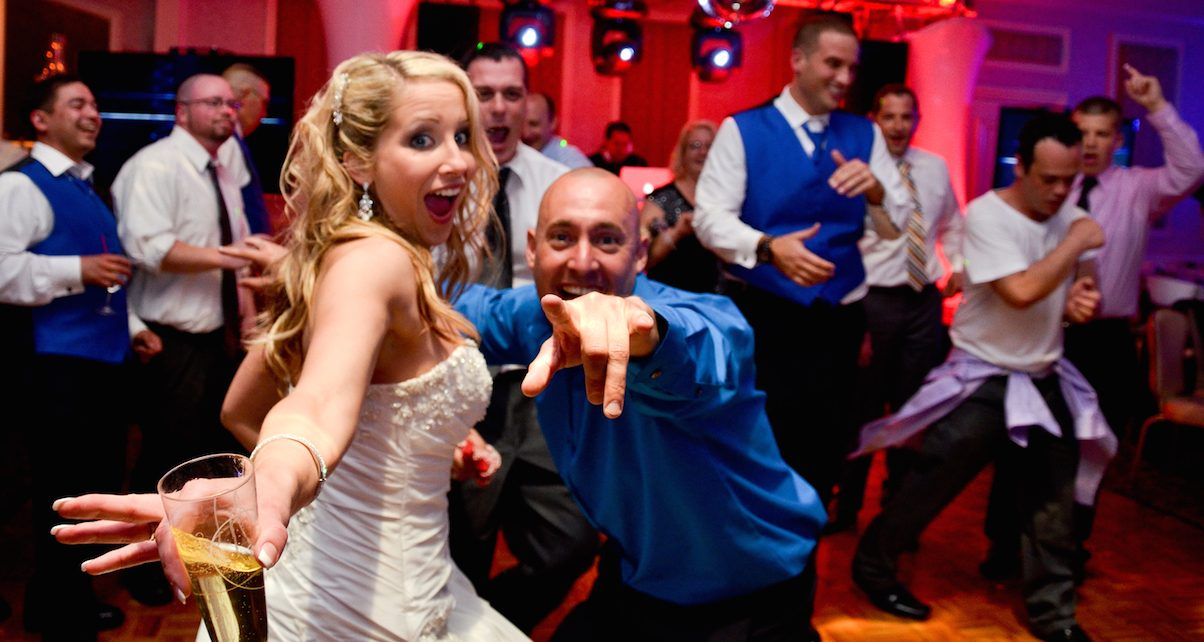 how to find a good wedding dj