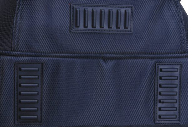 There are three sturdy stitched-on large rectangular feet allowing the bag to stand up on its own depending on how it is packed