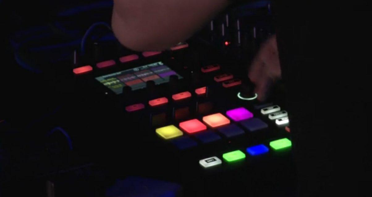Kontrol D2 Remix Decks