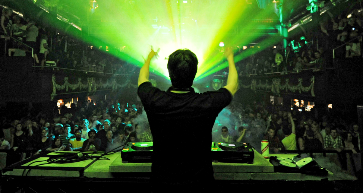 The 6 Powerful Daily Habits Of Successful DJs