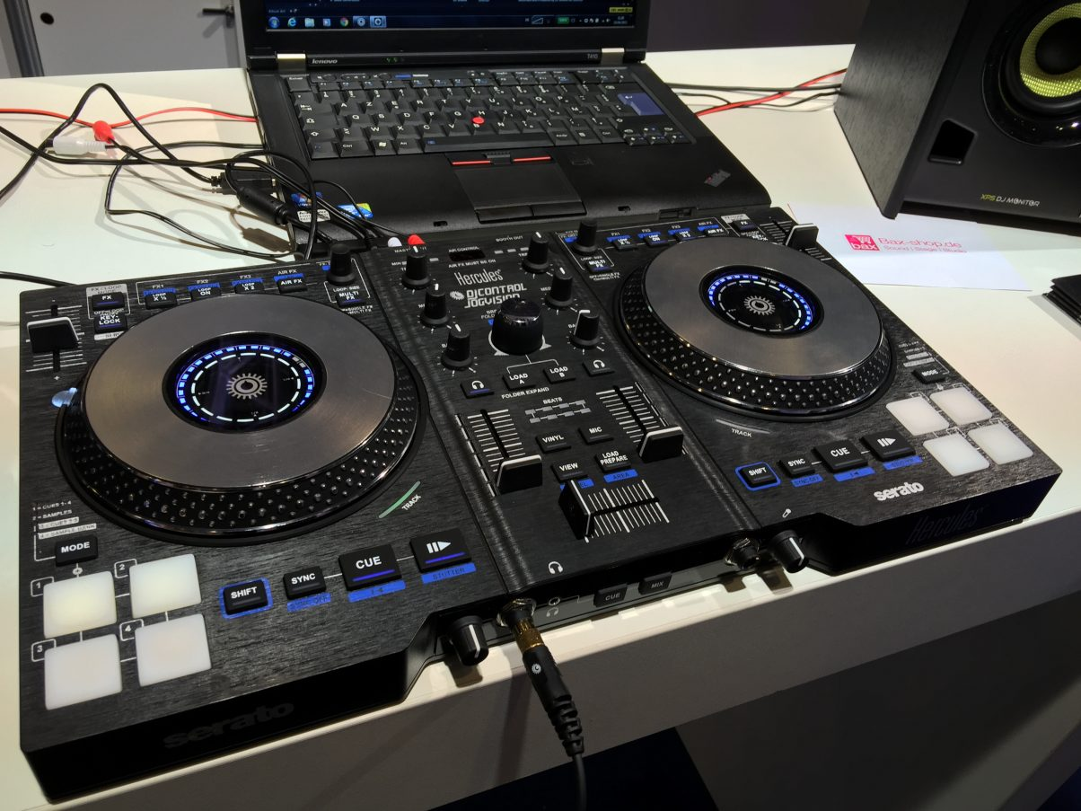 The Hercules DJ Control Jogvision was first exclusively revealed by us at NAMM this year, but now it is in production with further improved jogwheels. Review coming soon...