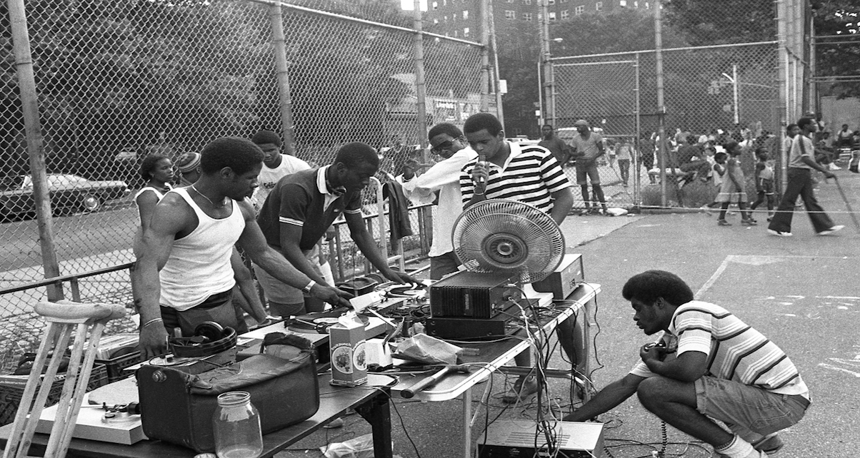gigs-block-party-digital-dj-tips