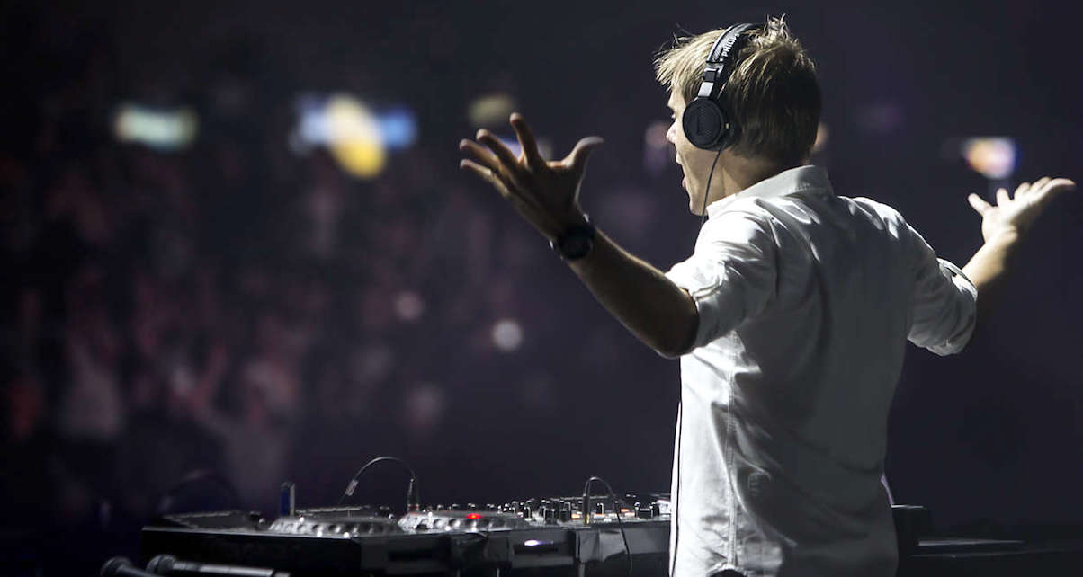 headphones-digital-dj-tips