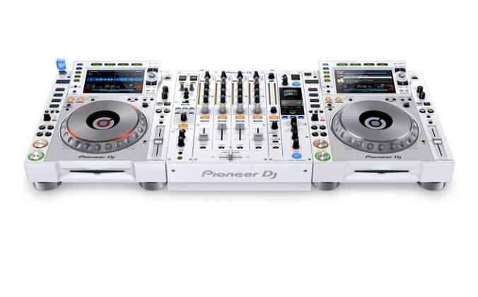 White-CDJ2000NXS2-DJM900NXS2