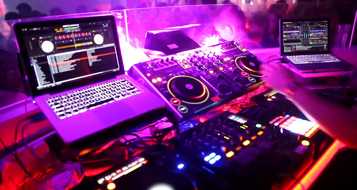 Djing In Nightclubs With Controllers And Laptops Digital