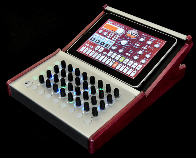 is the all in one ipad dj console coming digital dj tips. Black Bedroom Furniture Sets. Home Design Ideas