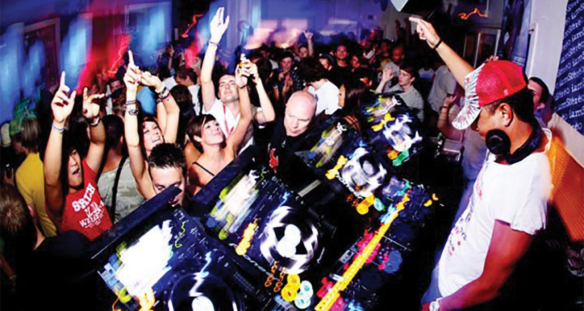 10 DJ Tactics For When People Won't Dance - Digital DJ Tips