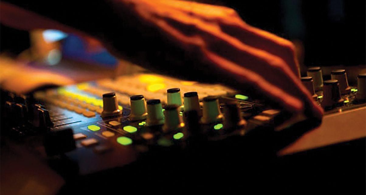 Mission: Turn Ableton Live Into A Killer DJ Tool! - Digital