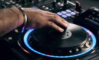 Denon DJ SC-2900 scratching