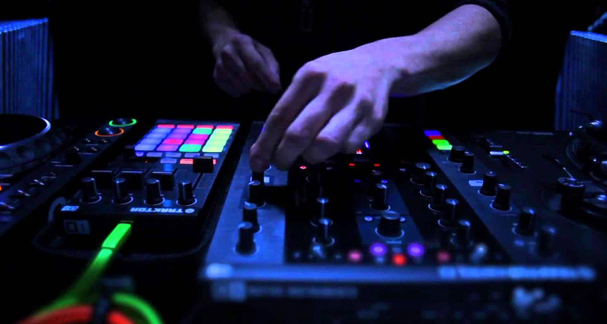 b2ed43467fc3c 9 Tips For Success At Your First DJ Gig - Digital DJ Tips