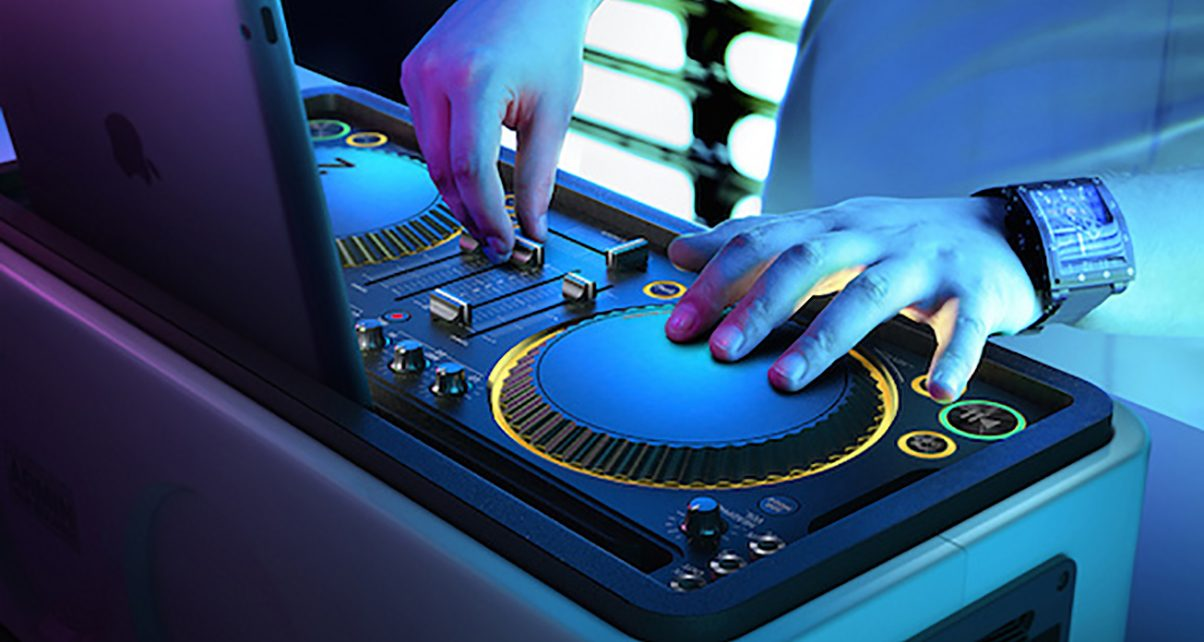 How To Mix: Six Tips For Complete Beginner Digital DJs