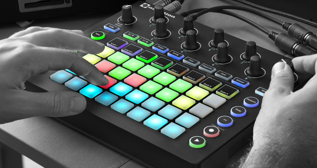 novation launches circuit groovebox synth. Black Bedroom Furniture Sets. Home Design Ideas