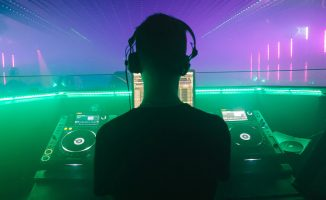 Warm Up DJ