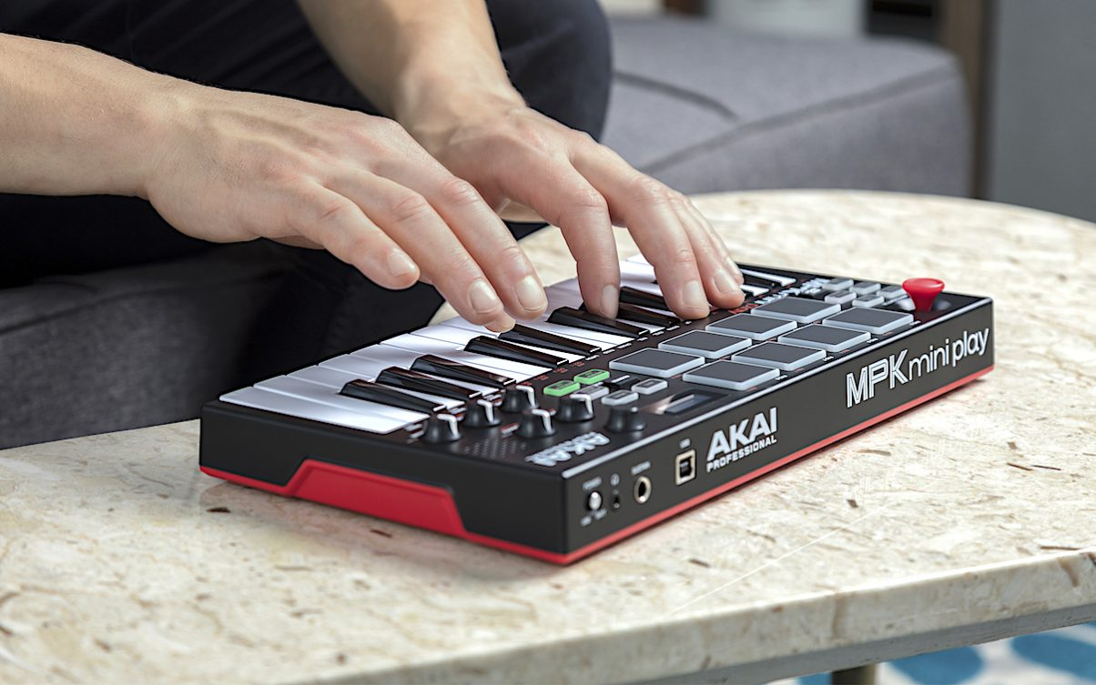 Akai Professional Releases MPK Mini Play Battery Powered