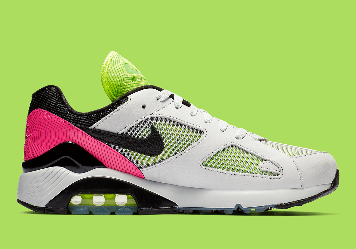 Win A Limited Edition Maschine Mikro & These Sweet New Nike