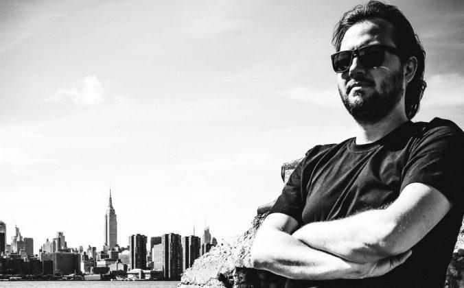 How To DJ With Digital DJ Controllers & Pro Gear - Digital DJ Tips