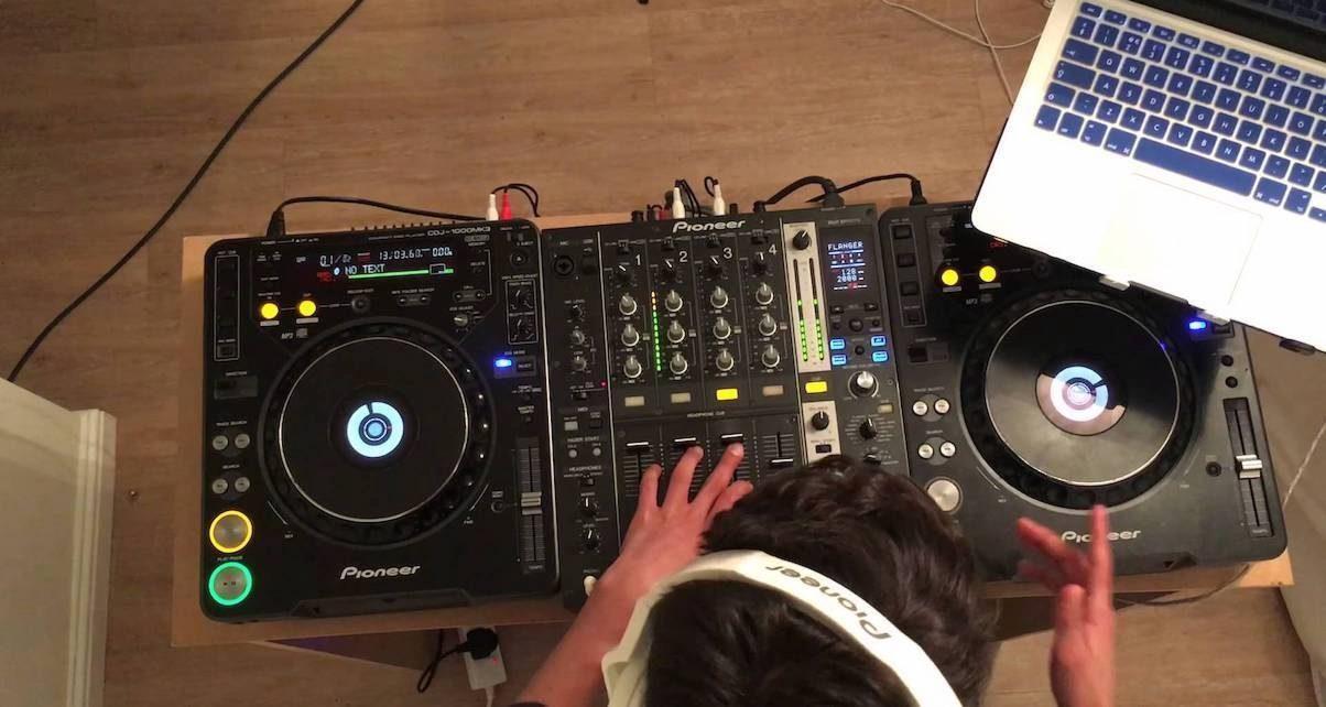 How to livestream DJ sets