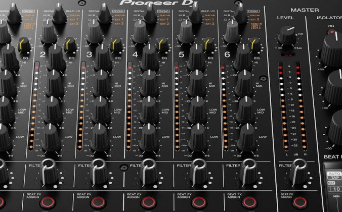 DJM-v10 Serato