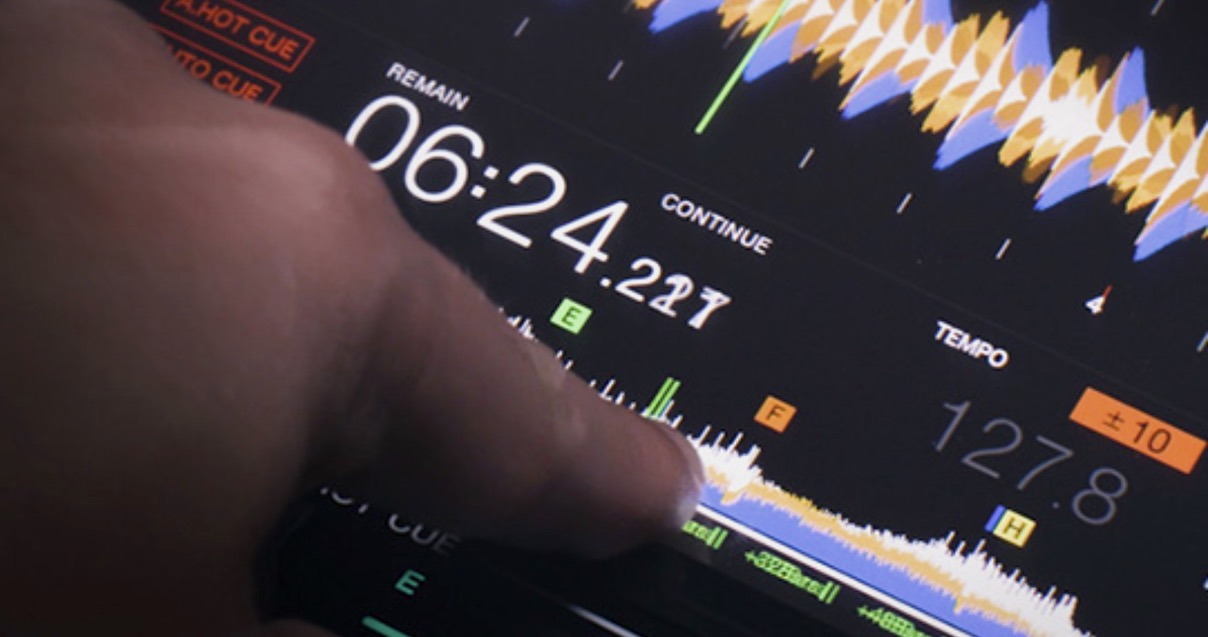 CDJ-3000 touch