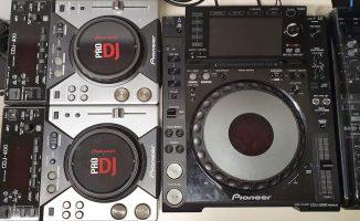 CDJ400 vs 2000