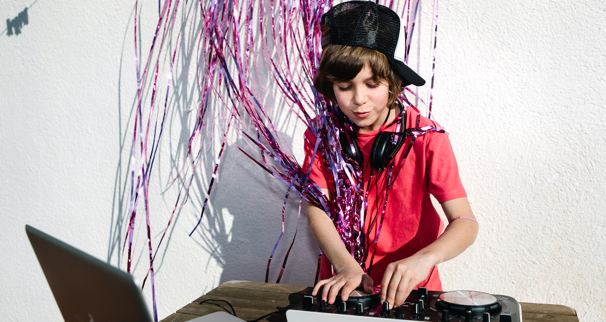 How To Choose A Dj Controller For Your Kid Digital Dj Tips