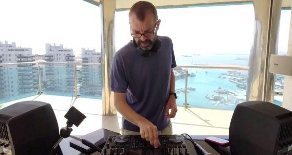 Livestreaming a DJ set