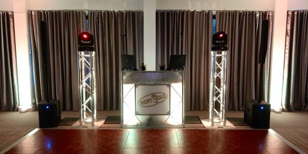 Full mobile DJ booth recording set-up